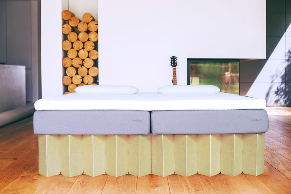 Airfect Matratze auf Pappgestell